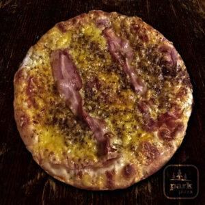 Bazsalikomos pizza